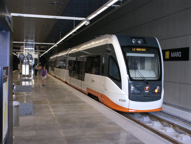 Tren Tram de Alicante, fabricado por Vossloh, en Marq. Foto: V44020001