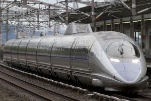 Tren de la serie 500 perteneciente a JR West en la estación de Shin-Kurashiki. Foto: Spaceaero2.