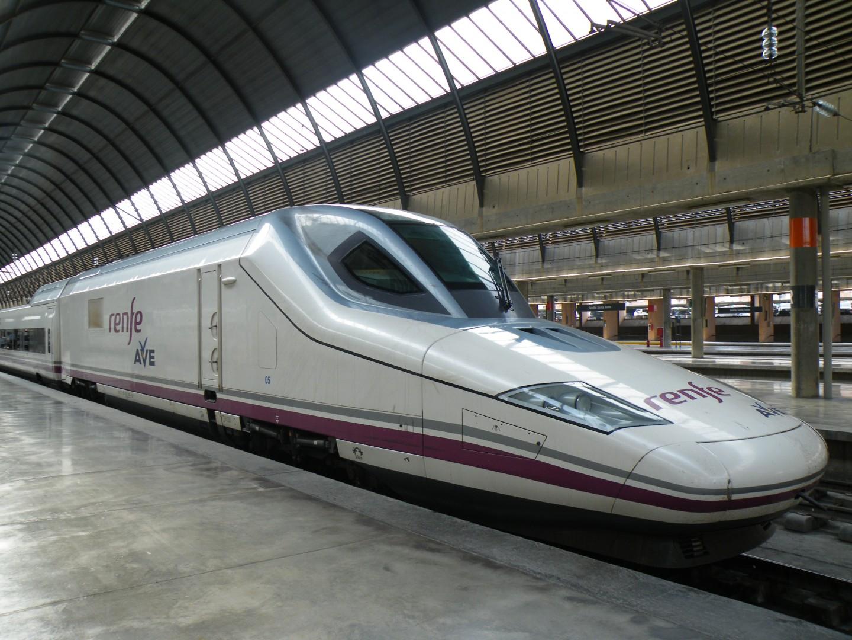 Los 10 trenes de alta velocidad de renfe trenvista for Ave hotel barcelona madrid