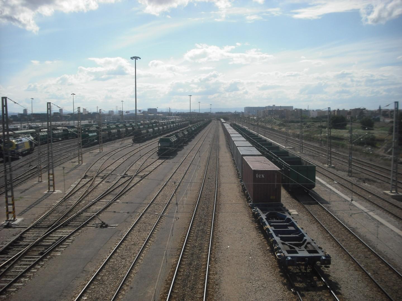 Estación ferroviaria de mercancias Fuente San Luis. Foto: Enrique Íñiguez Rodríguez.