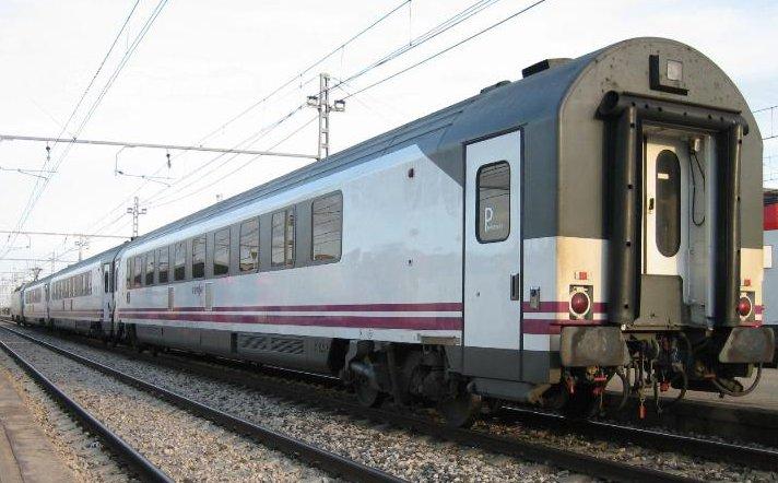 Tren Arco estacionado en Sant Vicenç de Calders. Foto: Xavier Maraña