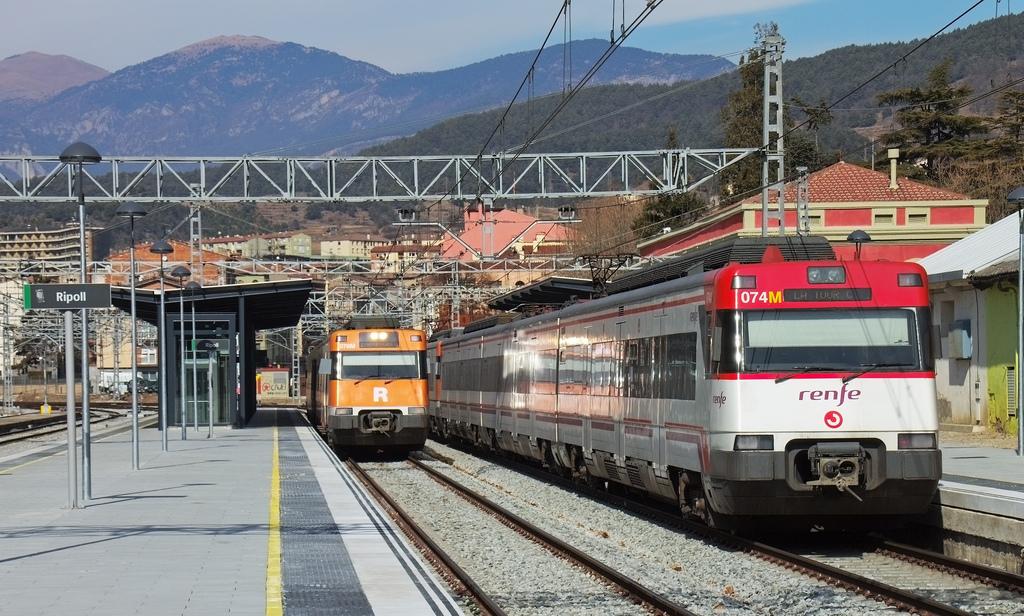 Los servicios mínimos de Renfe Cercanías oscilarán entre el 50% y el 75%. Foto tomada por Jordi Verdugo en Ripoll.