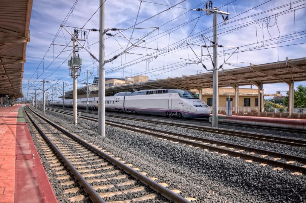 Varias empresas están interesadas en competir con Renfe por el transporte de viajeros