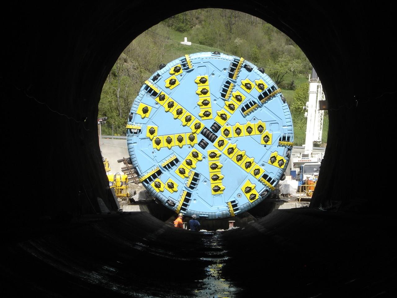 Cabeza de corte de la tuneladora que perforó el túnel oeste de la variante de pajares. Foto: Adif.