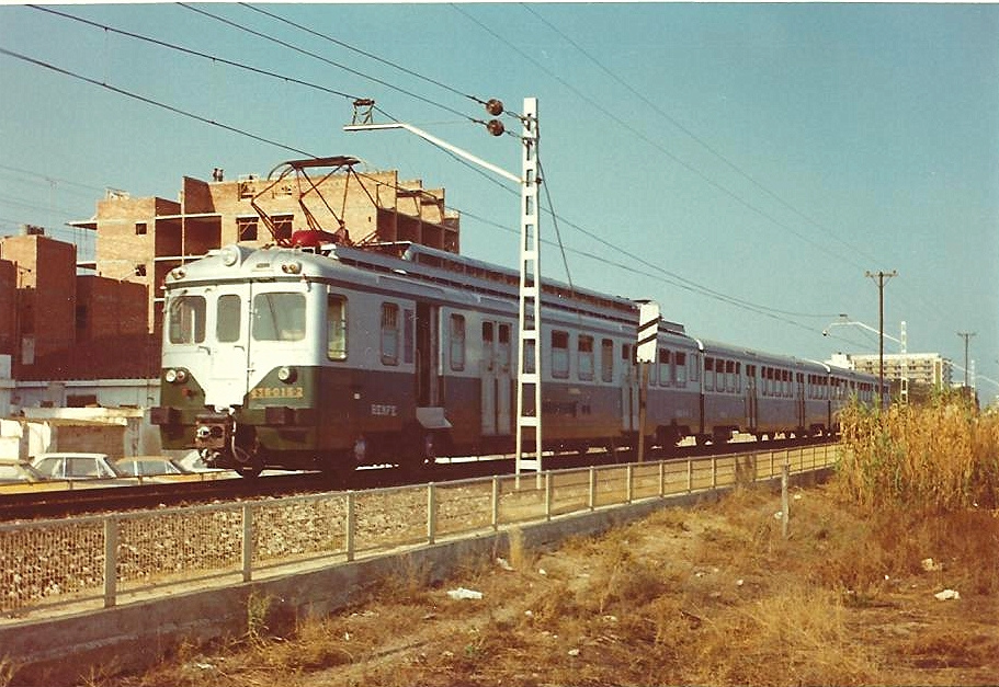 La 436-015, uno de los primeros trenes indeformables de Renfe. Foto: Hugh Llewelyn