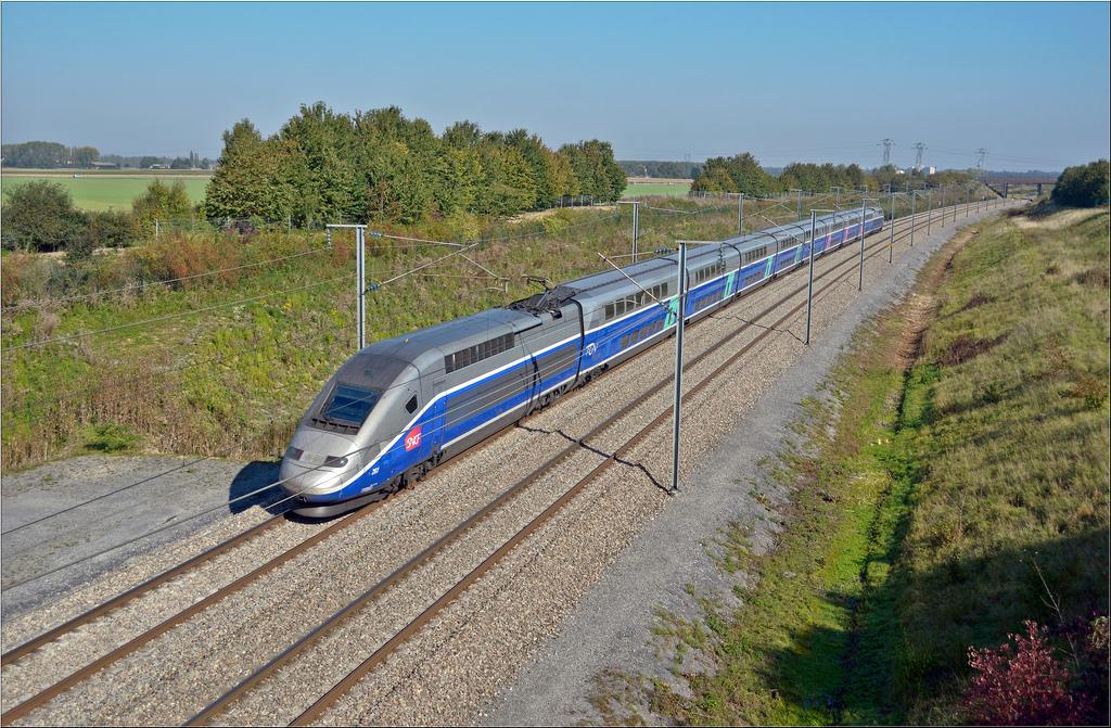 El TGV Dúplex es un tren de alta velocidad con tracción concentrada. Foto: Bastiaan.