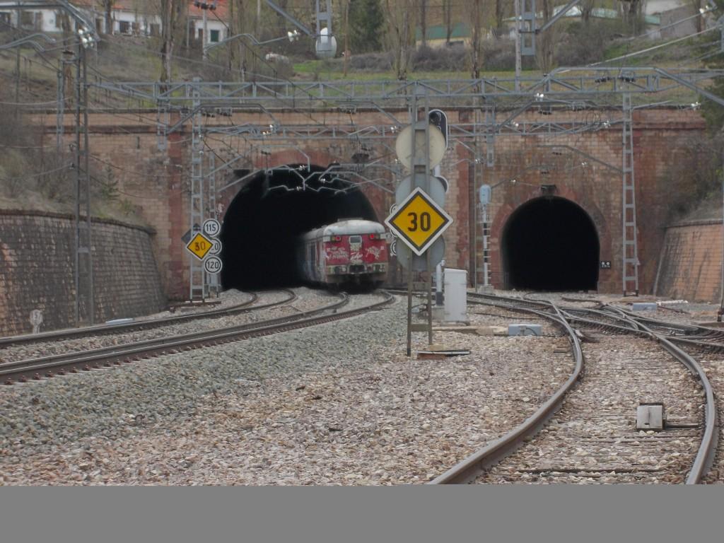 El Talgo III RD entrando en el túnel de Torralba. Foto: ELCARLOS123456