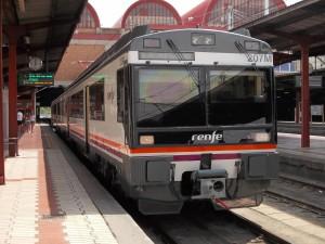 La 440-207M en Madrid-Chamartín a punto de empezar el primer servicio de su tercera vida. Foto: ELCARLOS123456