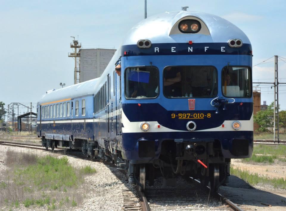 El TER 597-010 en movimiento dentro de los talleres de ARMF en Lérida. Foto: ARMF.