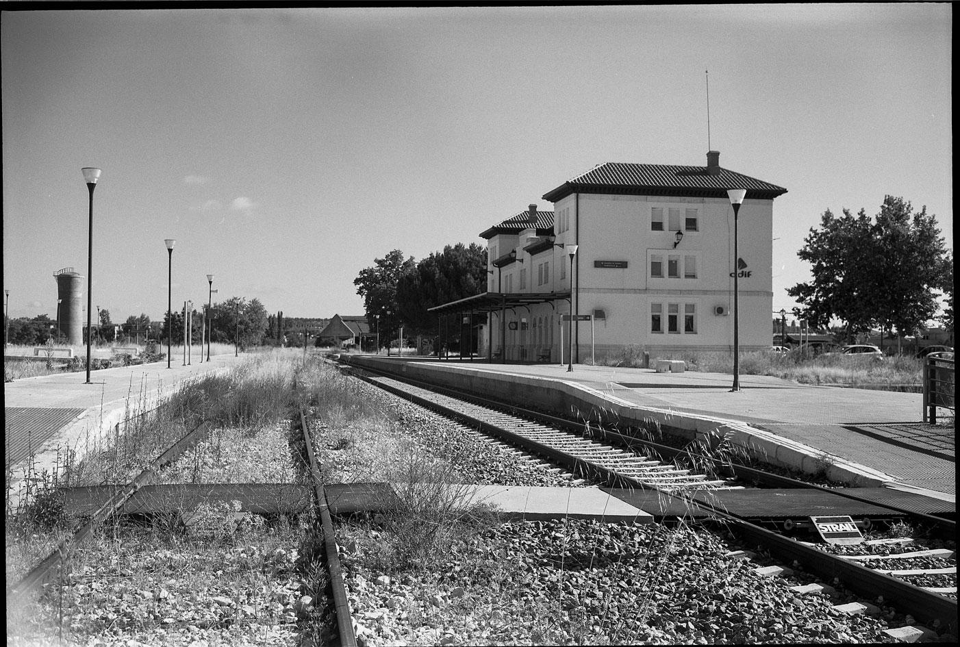 La estación de Aranda de Duero-Montecillo, perteneciente al ferrocarril Directo Madrid-Burgos. Foto: Felipe Cuenca Diaz.