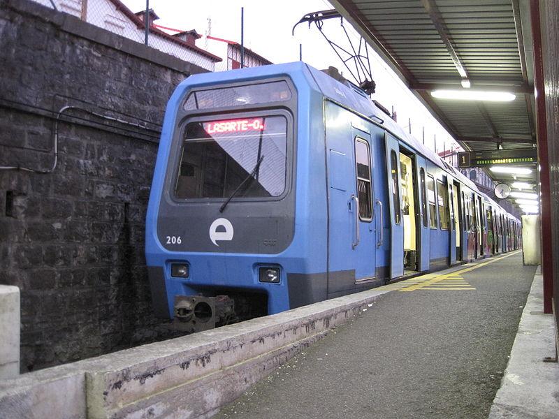 Los nuevos trenes de CAF para el Metro de Bilbao sustituirán a los de la serie 200 (imagen) y 300 de Euskotren.