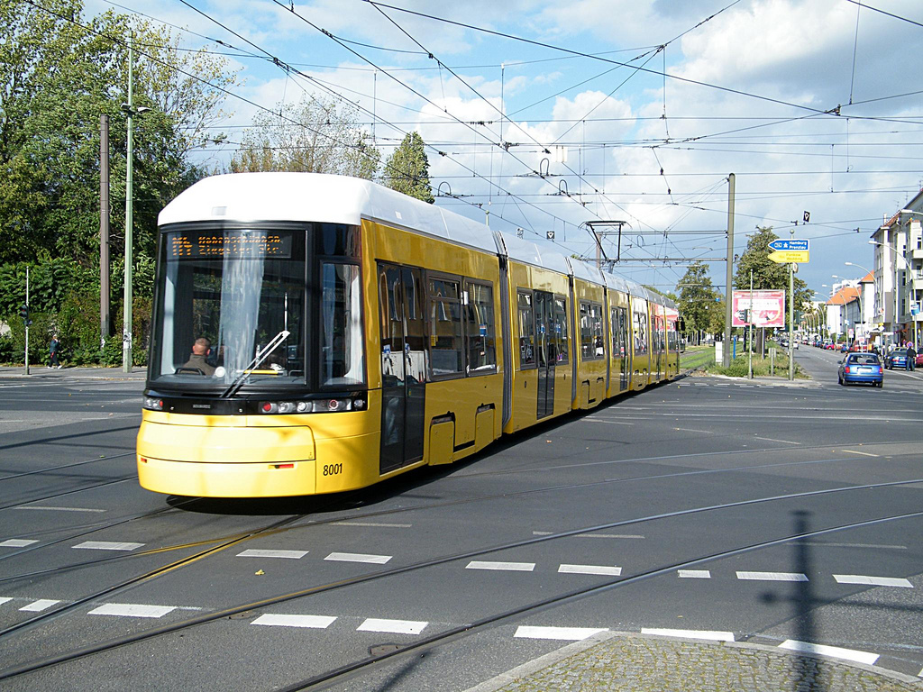 Un moderno tranvía de Berlín, de la serie Flexity de Bombardier. Foto: kaffeeeinstein.