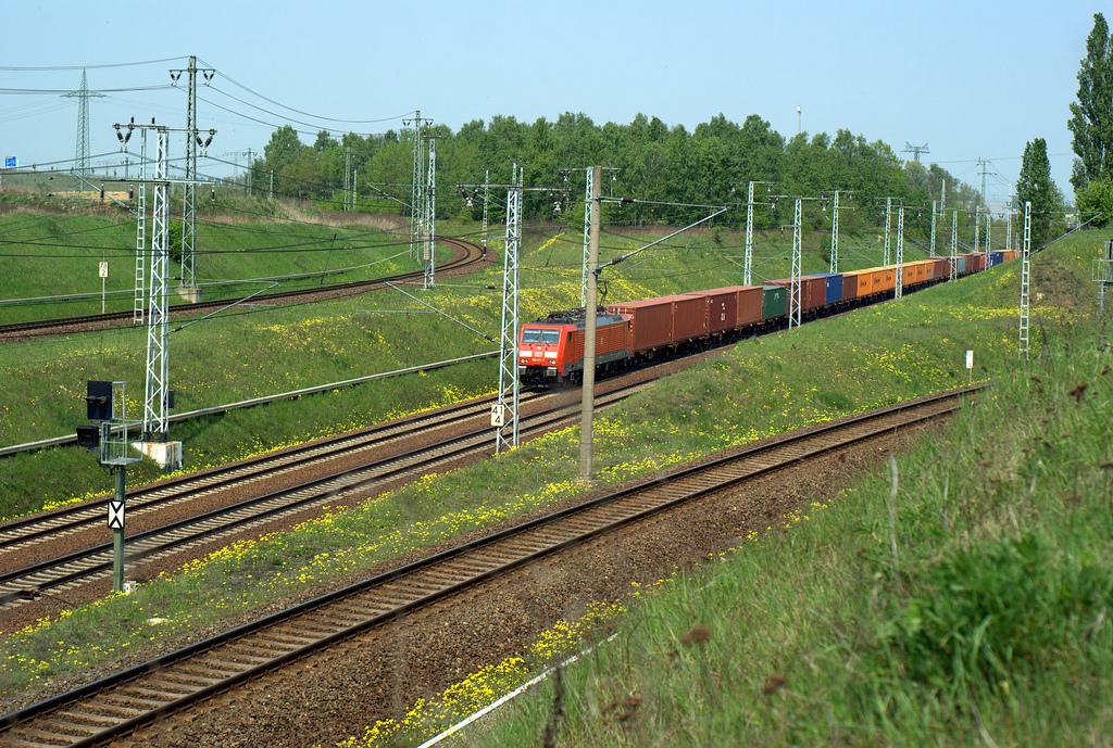 El tren directo de mercancías Alemania-China reduce considerablemente los tiempos de la ruta marítima.
