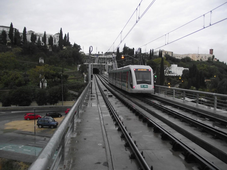 Los trabajadores de Metro de Sevilla convocan la huelga al considerar que los cuatro despidos llevados a cabo por la compañía vulneran una cláusula del convenio colectivo.