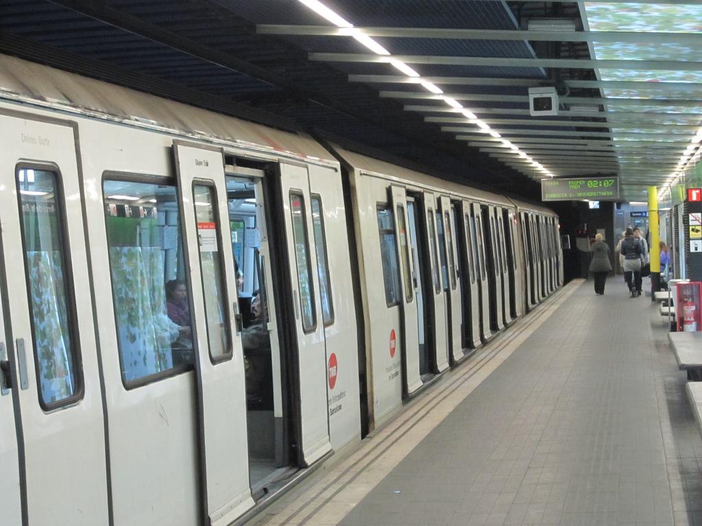 Desde hoy, Metro de Barcelona se llena de perros.