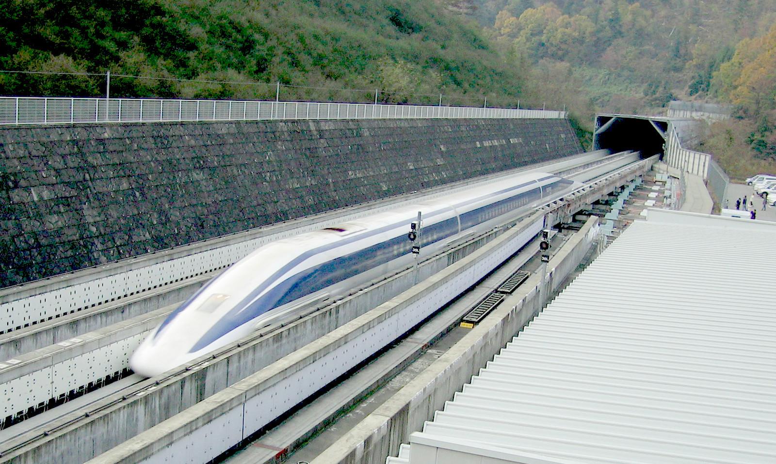 Prototipo de maglev japonés en la línea de pruebas de Yamanashi. Foto: Yosemite.