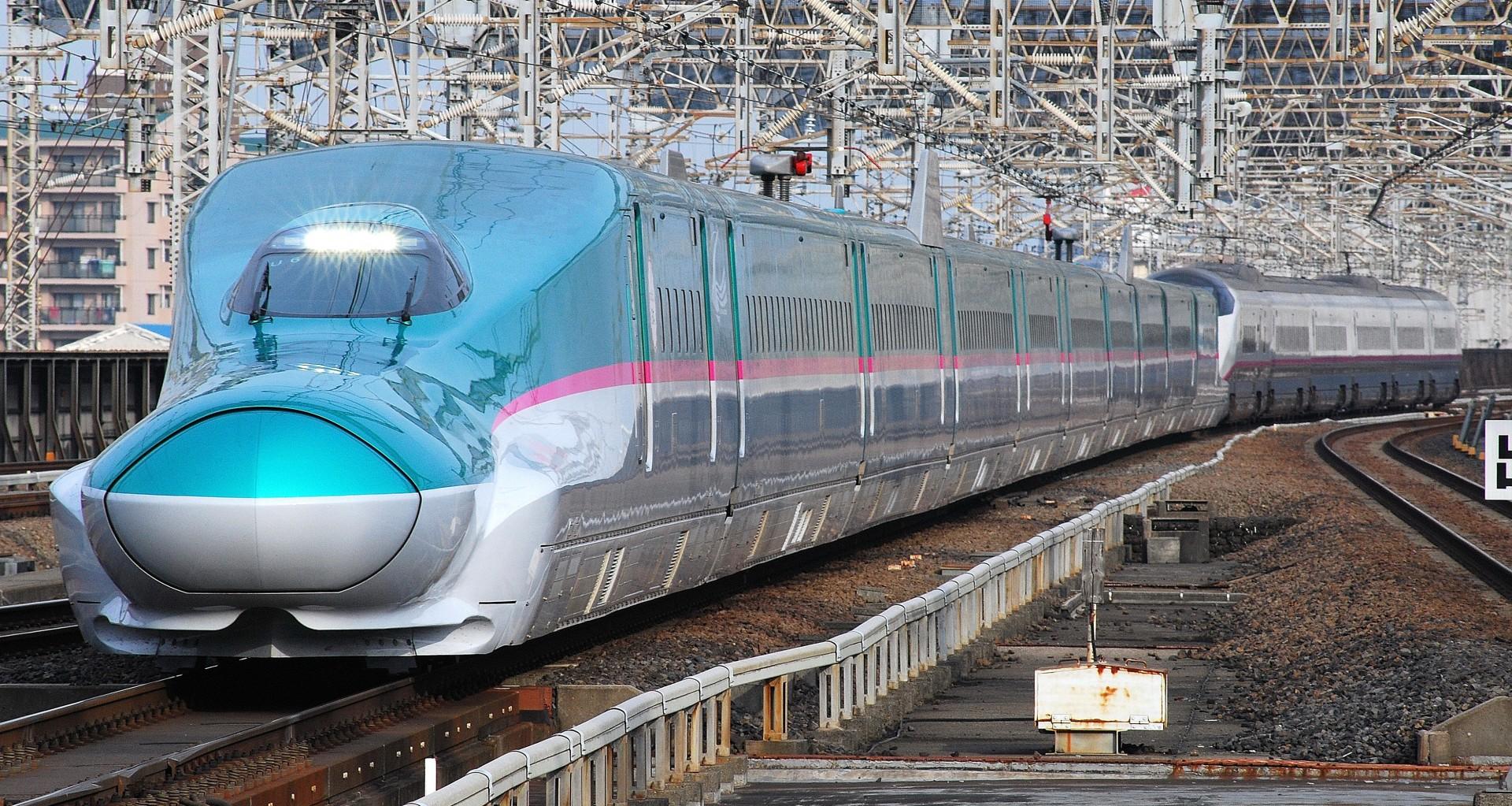 Imagen del Shinkansen E5 de JR East, base del Shinkansen H5.