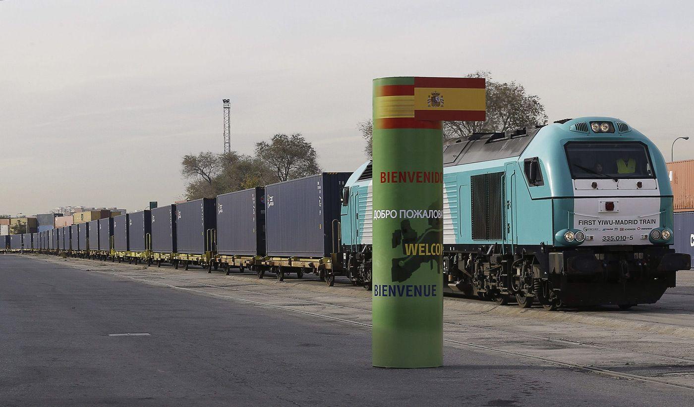 Imagen del tren partido de China llegando a la frontera española. Foto: ©Unos cuantos trenes.