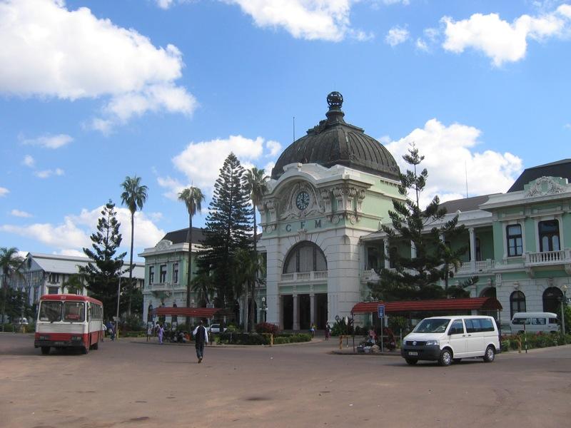 Fachada de la estación de Maputo, una de las joyas arquitectónicas de la ciudad. Foto: JSpencerUNC.