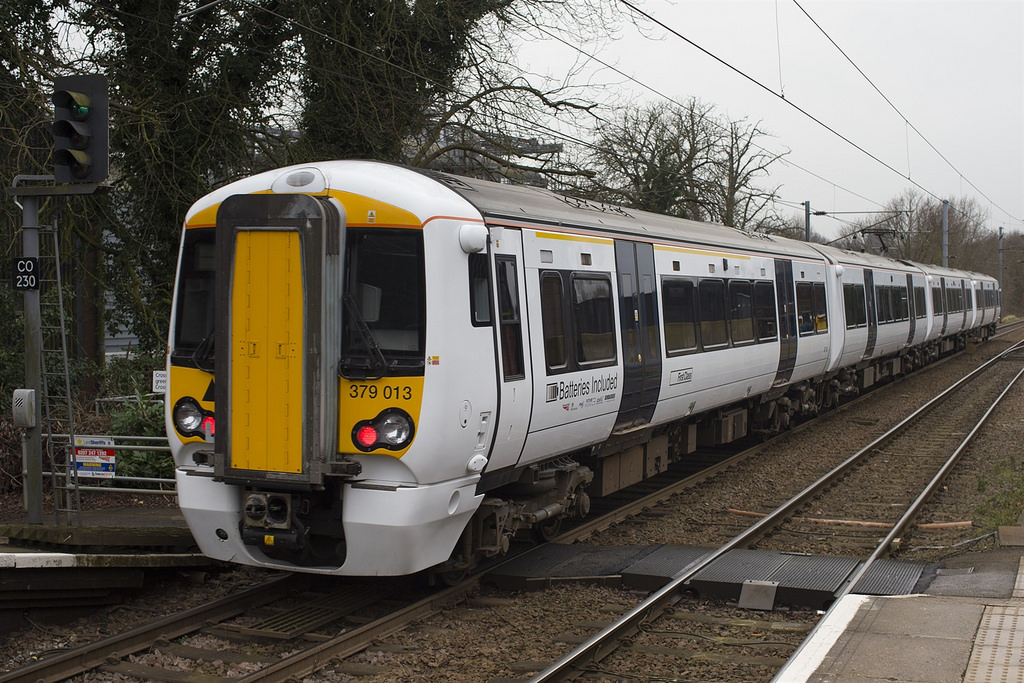 Imagen del nuevo tren a batería, que circulará durante más de un mes en su primer periodo de pruebas con pasajeros. Foto: ©Andrew Gwilt.