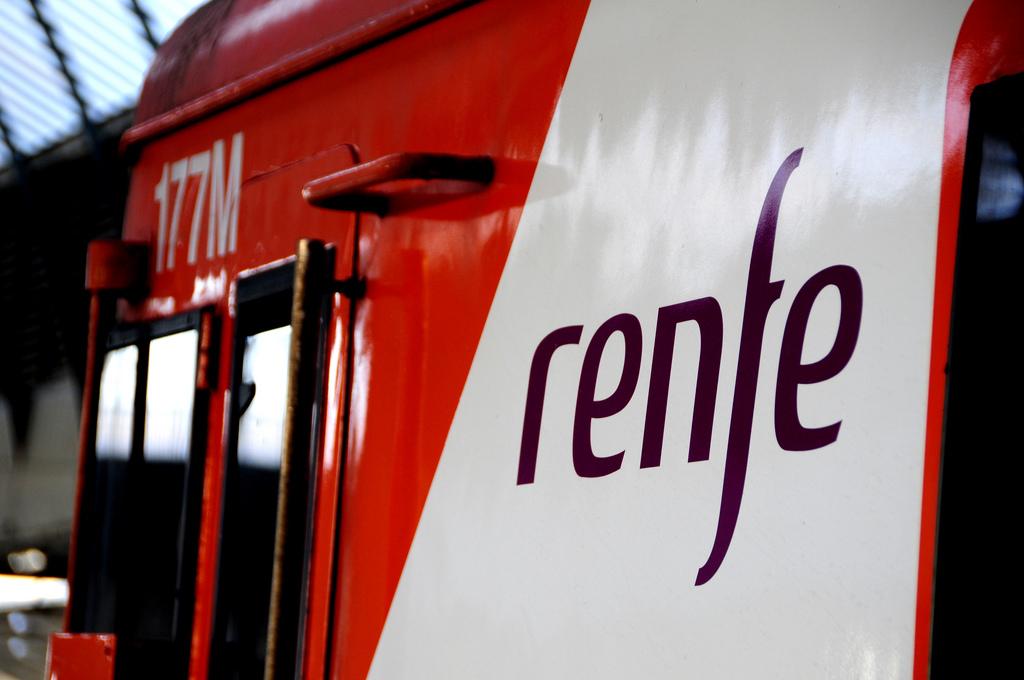 El 'Plan + Renfe' servirá a la operadora para prepararse antes de que las compañías privadas entren en el sector. Foto: Kamil Porembiński.