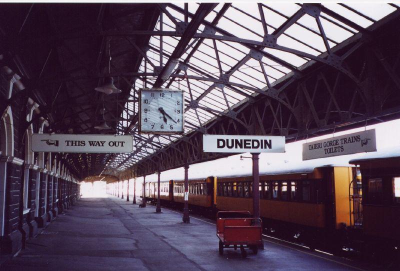La estación de Dunedin, pese a las restauraciones, conserva su esencia. Foto: Bjørn Smestad.