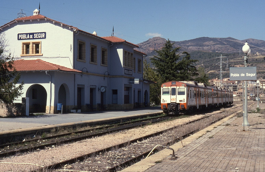 La estación de Pobla de Segur volverá a usarse, esta vez como punto de información turística. Foto: Phil Richards.