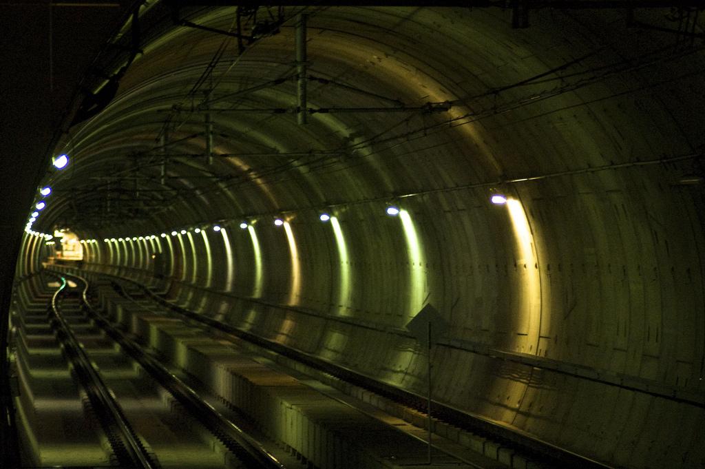 Carrera nocturna en el metro de Sevilla - Trenvista