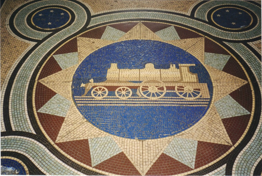 Los suelos de mosaico son uno de los detalles más llamativos de la estación de Dunedin. Foto: Megaconstrucciones.net.