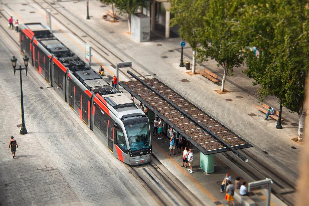 El tranvía de Zaragoza celebra hoy su segundo aniversario de línea 1 completa. Foto: Juanedc.