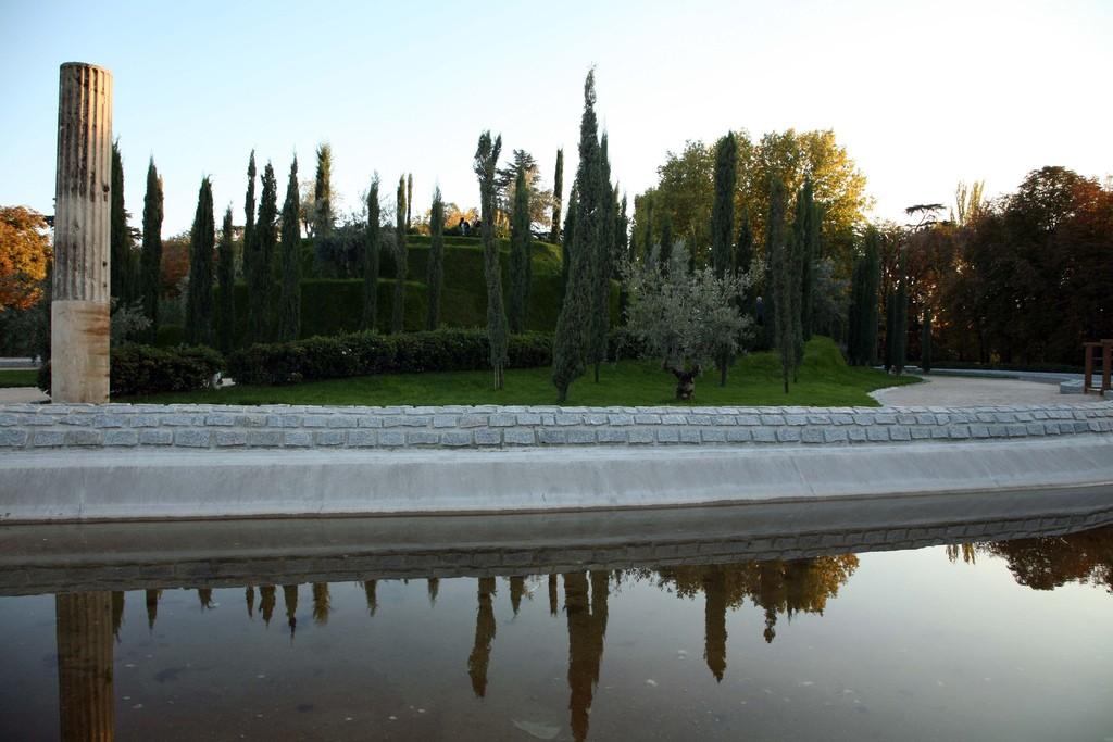 Bosque del Recuerdo en El Retiro. Foto: Bruno Girin.