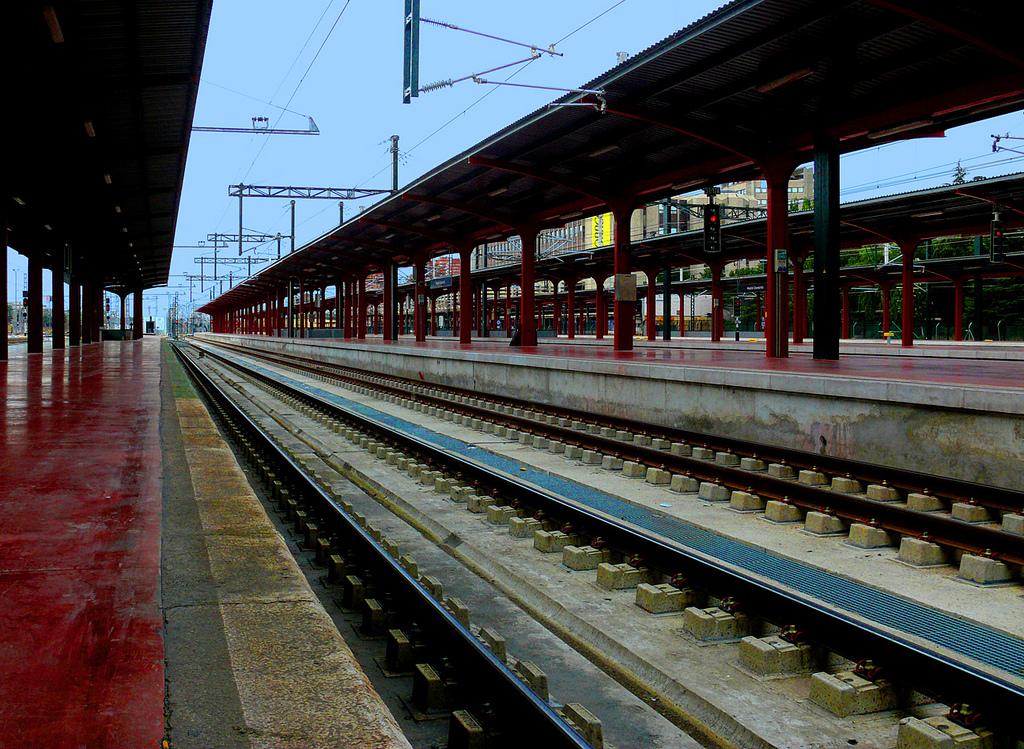 adif ha licitado el cambio de vías en los andenes 1 y 2 de la Estación de Chamartín. Foto: Óscar Cortés.