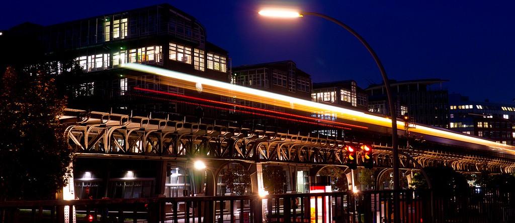 El metro de Berlín da servicio nocturno los fines de semana, y a diario tiene un horario muy amplio, con pocas horas de cierre. Foto: Alexander Stielau.