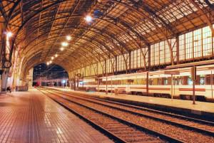 Andenes de la estación de viajeros de Portbou.