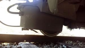 Captador ubicado bajo el bastidor del tren. Foto: Javier Díaz.
