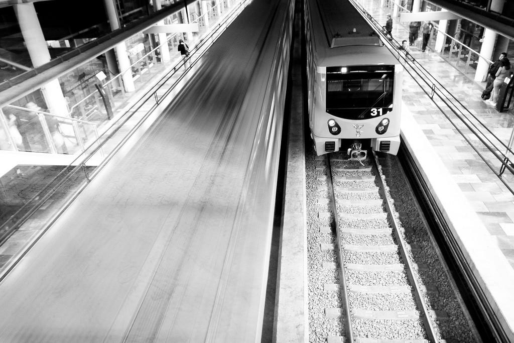 El accidente de ayer en el metro de Ciudad de México dejó 12 heridos y la línea 5 cerrada al público. Foto: Alejandro Mejía Greene.