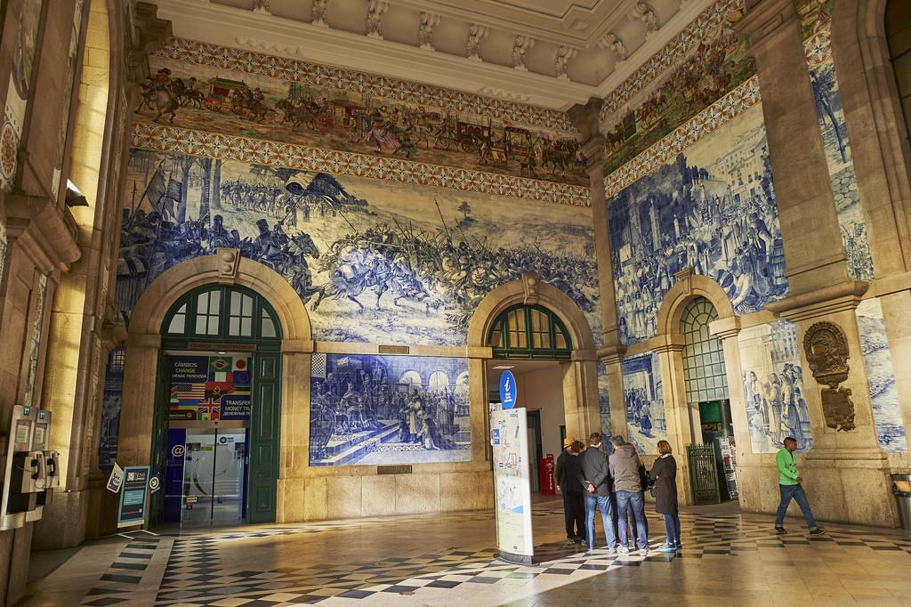 El hall de la estación de São Bento cuenta con 20.000 azulejos. Foto: Del Uks.