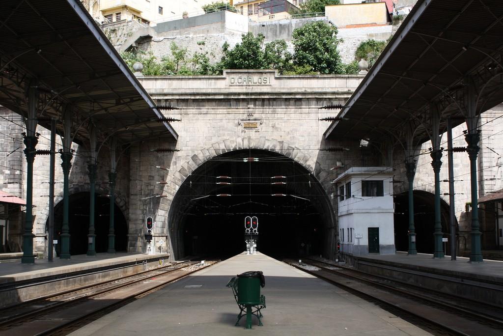 La estación de São Bento sigue siendo una de las más importantes de Oporto. Foto: Tiago Sousa Garcia.