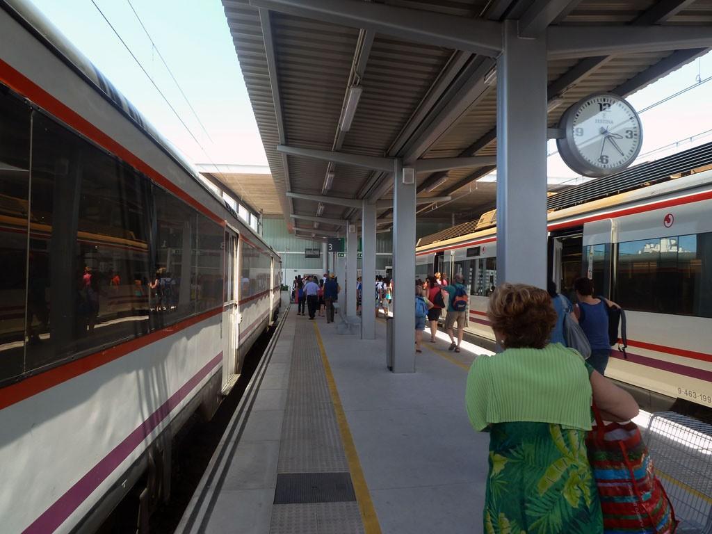 Se prevé instalar el WiFi de Renfe en las principales estaciones de Cercanías. Foto: Nacho.