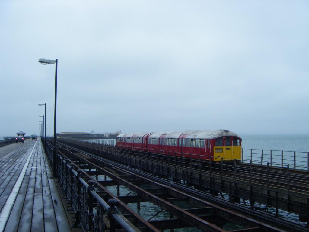Los trenes del metro de Londres se han adaptado muy bien a la Isla de Wight. Foto: Ray Brown.