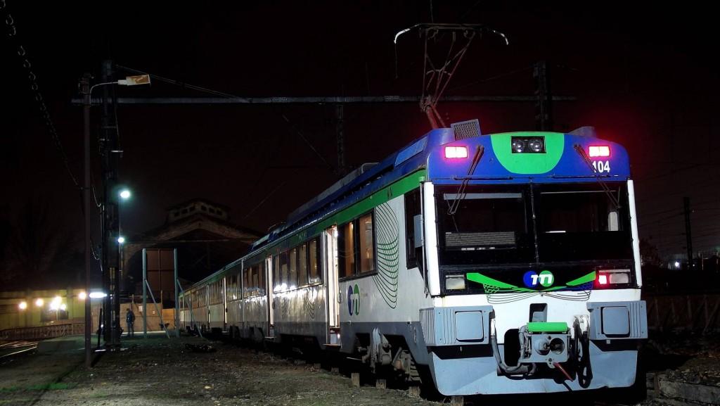 La UT 104 (440-R) de Tren Central en la estación de Talca prestando el servicio Expreso Maule. Foto: Ignacio Olmedo Godoy.