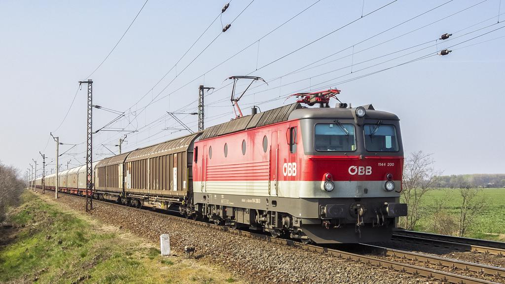 En Austria, el ferrocarril se recupera tanto en el transporte de mercancías como de viajeros. Sin embargo, existe gran diferencia entre los resultados de las operadoras públicas y las privadas, obteniendo estas últimas mejores datos. Foto: Vonatguru.