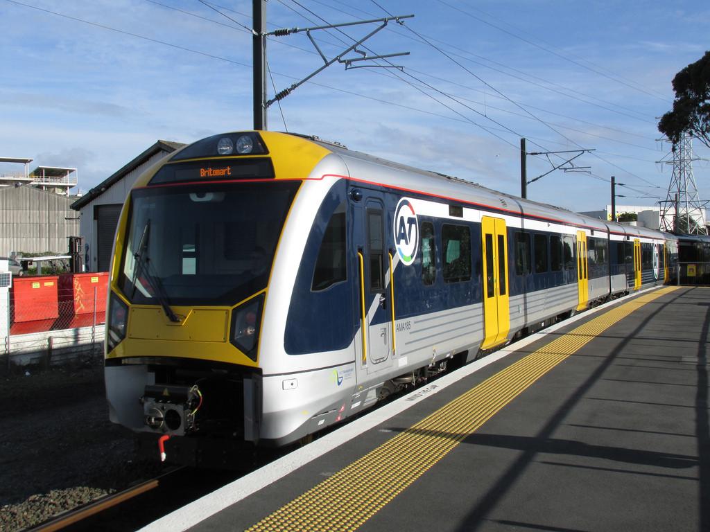 Imagen de uno de los trenes CAF para la cuidad de Auckland. Foto: © DX 5517.