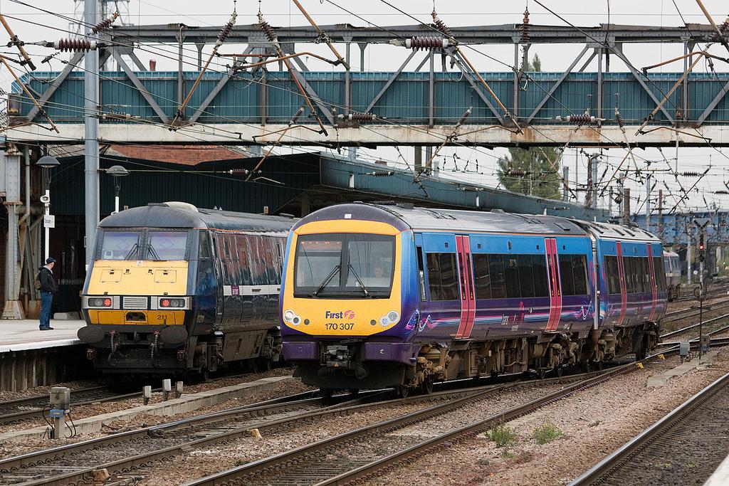 La subida desmesurada de las tarifas en los últimos años vuelve a poner en entredicho la gestión actual del sistema ferroviario de Reino Unido. Foto: Ingy the Wingy.