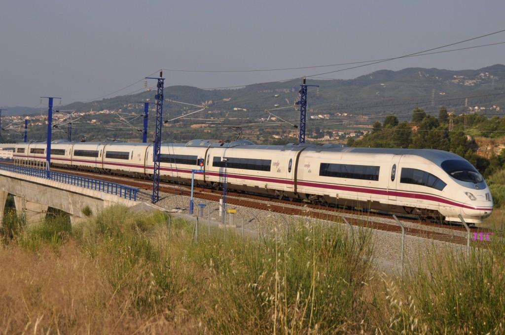 España sigue apostando por despilfarrar en la alta velocidad. Foto:  JT Curses VII.