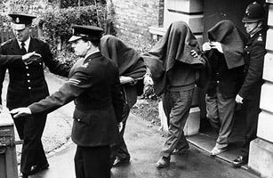 Algunos de los detenidos por el asalto al tren de Glasgow. Foto: Time.
