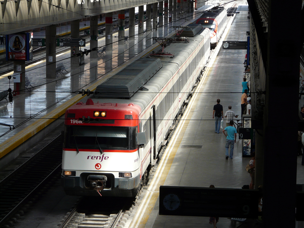 La red de Cercanías Sevilla se amplía con la estación de Jardines de Hércules. Foto: Dariusz Sieczkowski.