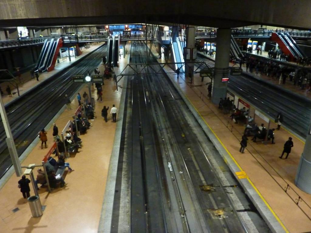 Estaciones como la de Madrid Atocha Cercanías podrían verse sin trenes durante la huelga de Renfe del 18 de septiembre pese a los servicios mínimos.