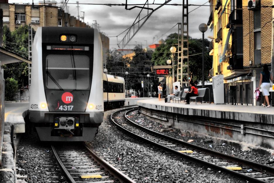 Tren del metro de Valencia, que será gratis el 22 de septiembre, en Torrent. Foto: Coke Saeba.