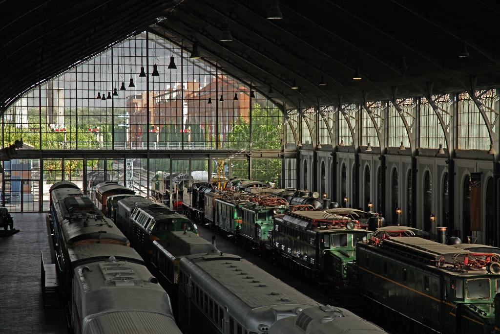 Resultado de imagen de mercado de motores museo del ferrocarril